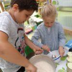 Eron  und Leonie kochen