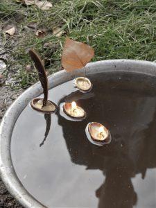 Schwimmkerzen aus Walnussschalen