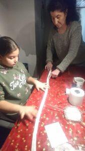 Gartenkinder machen Saatbänder